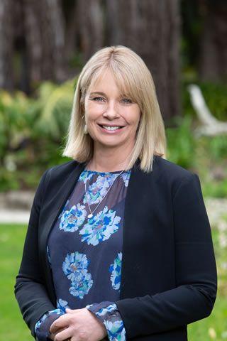 Sarah Tustin